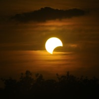 """Viewing the solar eclipse safely, or """"How to make a pinhole camera""""."""