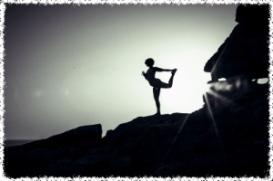 Saskia Griffiths Yoga - Mood Beach