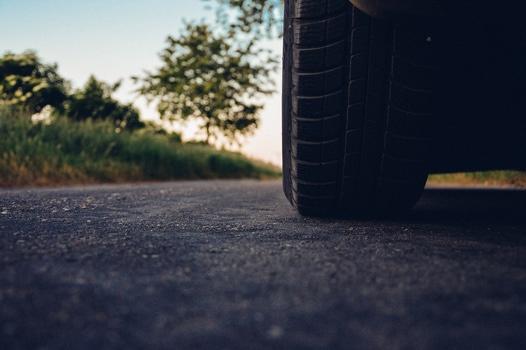 road-car-tire-medium