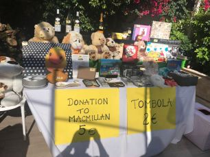 The Cala Nova Cancer Care gang and their wares (1)