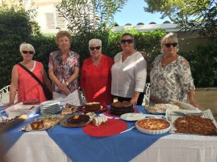 The Cala Nova Cancer Care gang and their wares (2)